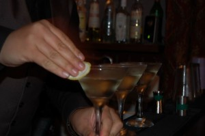 Making-Martinis-945x500